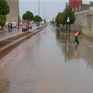 احذروا مديرية الأرصاد الجوية تنبؤكم: أمطار عاصفية يوم الجمعة