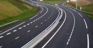 وزارة التجهيز والنقل تعد الدراسة لإنشاء الطريق السيار بين أكادير و كلميم