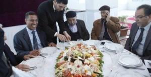 """المائدة التي """"وحدت"""" مطالب زعماء النقابات المغربية!"""