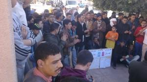 """وقفتان تضامنيتان مع أسرة """"إجو بكاس"""" أمام محكمة تيزنيت / مرفق بالصور"""