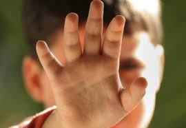 مقترح قانون يشدد العقوبات على مغتصبي الأطفال