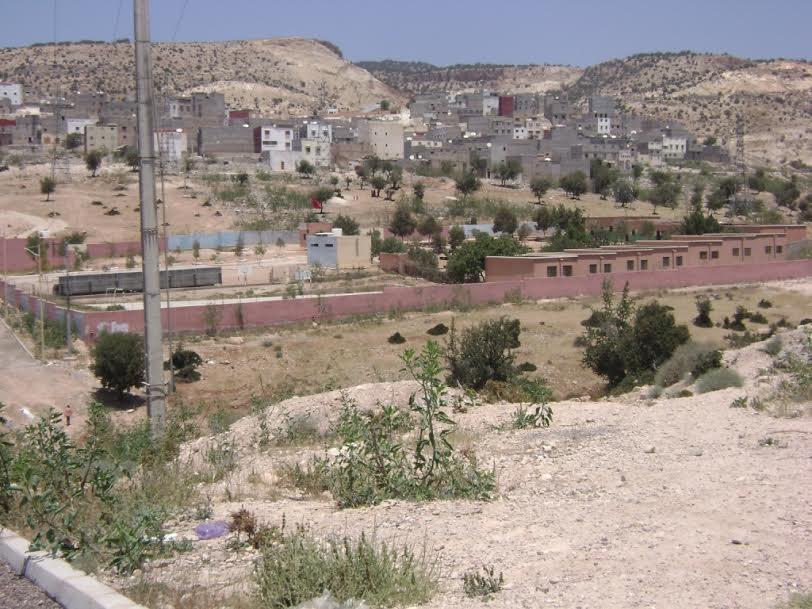 مدرسة الأطلس أيت الموذن المجاورة لمحطة ضخ المياه بالحي المحمدي تشكو من العطش