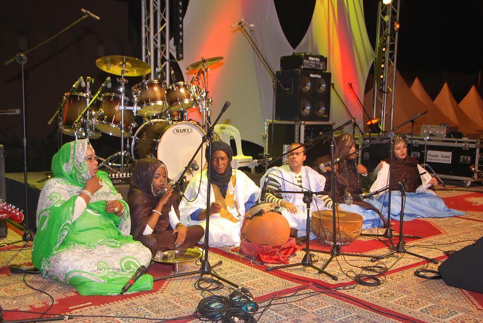 حول سهرة الإحتفال بالذكرى الثالثة لترسيم اللغة الأمازيغية بتيزنيت