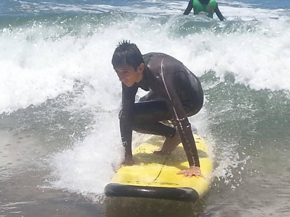 جمعية تيزنيت لركوب الموج تنظم يوما مجانيا بشاطئ أكلو