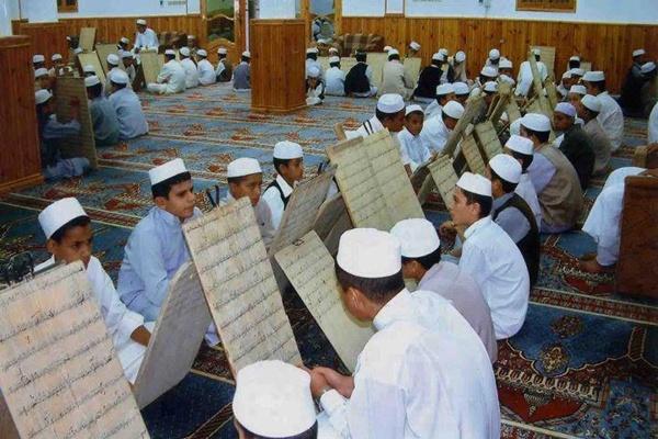ما يقرب من 600 ألف من المغاربة مقبلون على حفظ القرآن