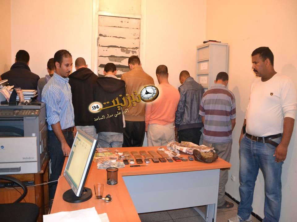 القبض على عصابة جديدة من 8 أشخاص متخصصة في ترويج الحشيش بتيزنيت / مرفق بصور