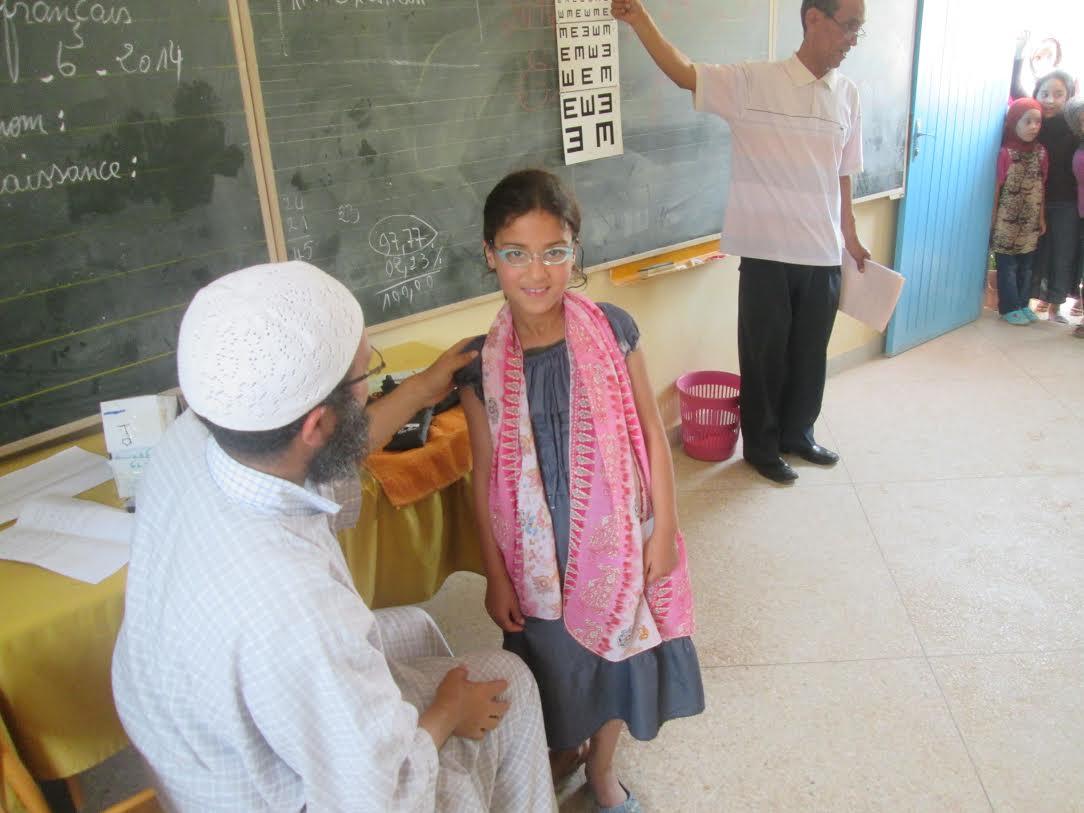 مندوبية الصحة بتيزنيت تطلق عملية توزيع النظارات الطبية على التلاميذ