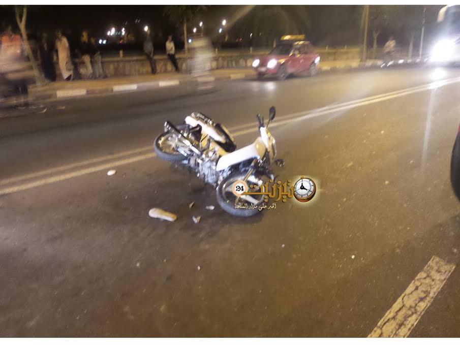 إصابة شابين بجروح متفاوتة في حادث سير قرب ساحة الاستقبال بتيزنيت