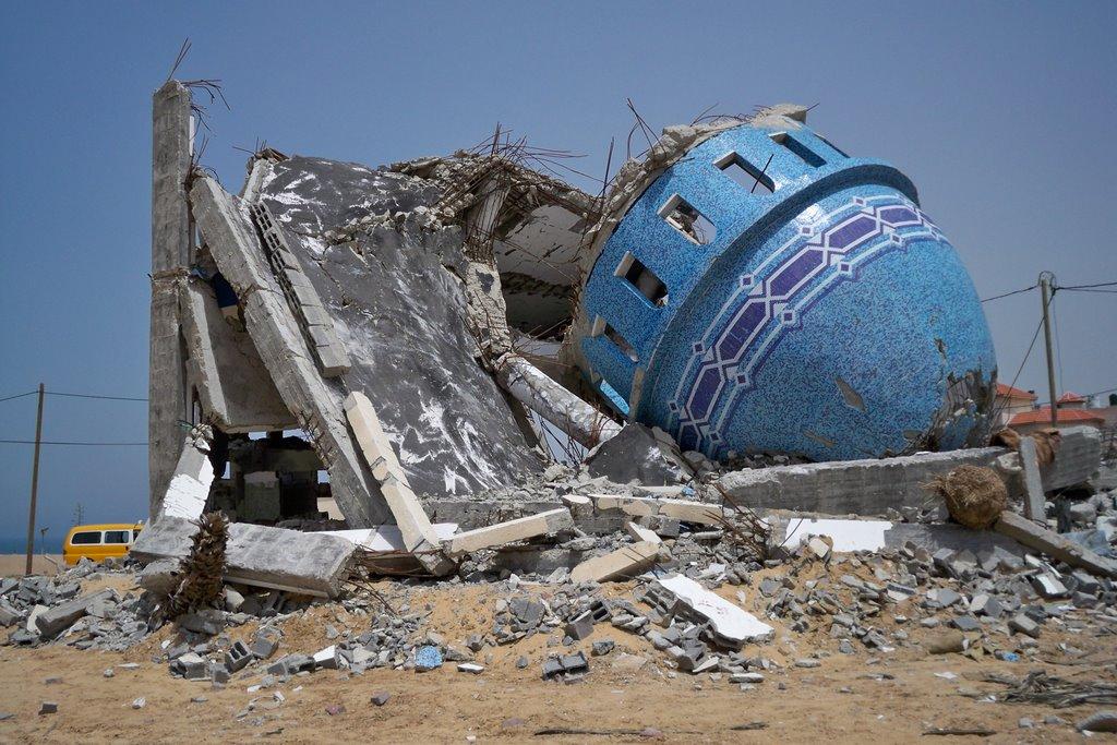 لماذا تدمر مساجد غزة ؟! بقلم أحمد منصور