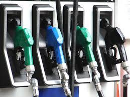 انخفاض أسعار البنزين الممتاز والفيول من الفئة 2 والفيول الصناعي من الفئة 2 والفيول الممتاز ابتداء من فاتح غشت