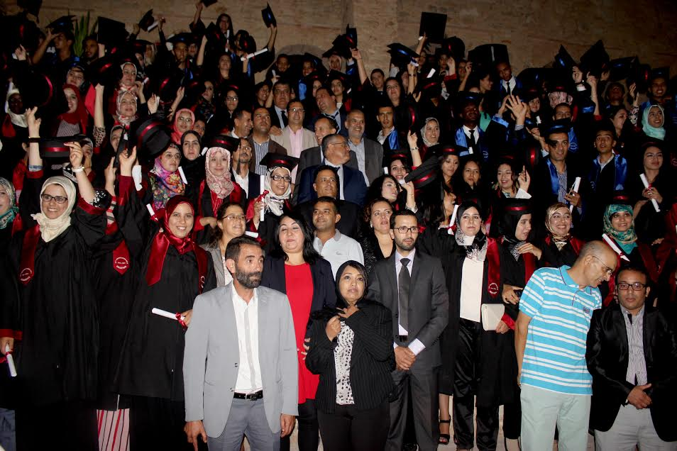 تخرج 212 طالبا وطالبة بالمدرسة الوطنية للتجارة والتسيير بأكادير