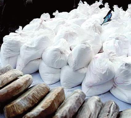 على خلفية حجز كمية كبيرة من الكوكايين بمراكش الإعتقالات متواصلة بأكَادير والناظور شملت بعض السائقين وباعة السمك