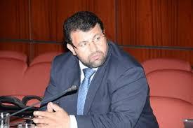 إعلاميون لايجدون برلماني سيدي إيفني أبودرار سوى على الفايسبوك