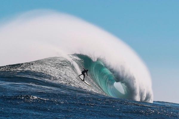 بحر تغازوت ثالث أفضل وجهة لممارسة رياضة Surf في العالم