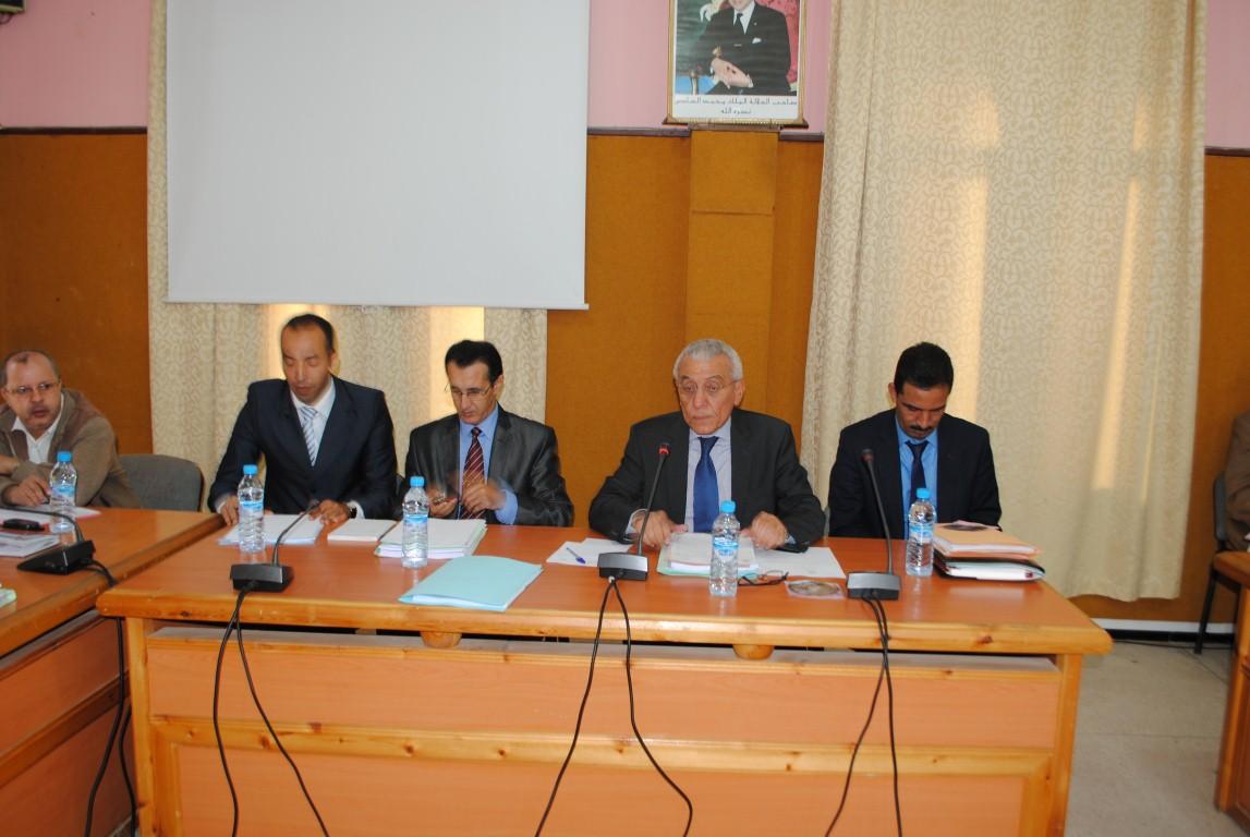 لماذا غاب منتخبو بلدية تيزنيت عن حفل نيابة التعليم؟