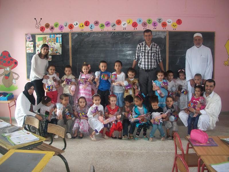 لجنة عن مؤسسة Oxylane تزور مدرسة تمونت للتعليم الأولي بأربعاء رسموكة