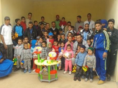 جمعية تغمرت للتنمية و التعاون توزع هدايا على الأطفال بمناسبة عاشوراء