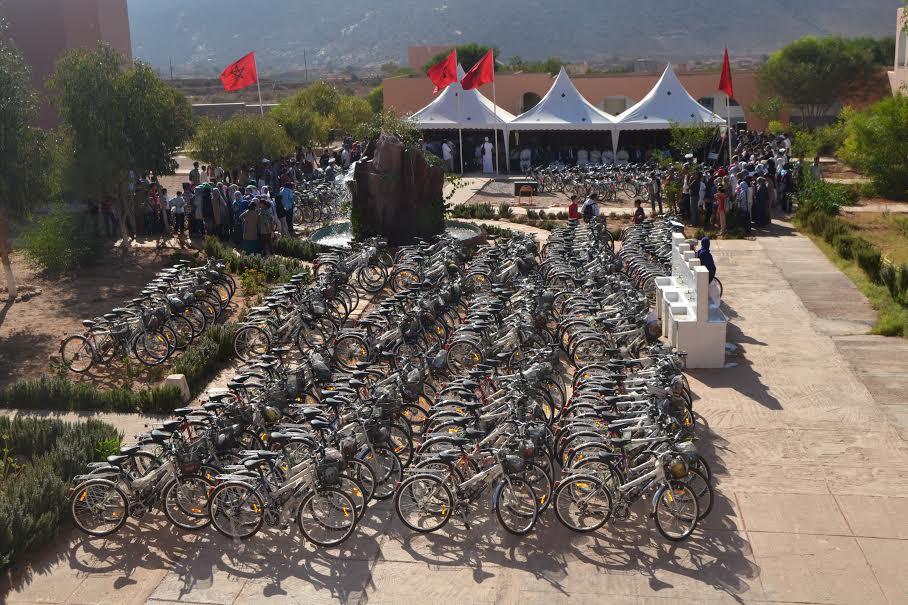 انطلاق عملية واسعة لتوزيع الدراجات الهوائية على التلاميذ الجددبالسنة الاولى اعدادي باقليم تيزنيت