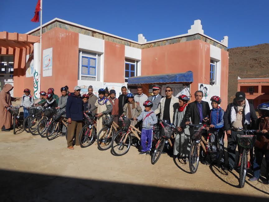 دراجات هوائية لتلاميذ الثانوية الإعدادية محمد البقالي – تيزغران-