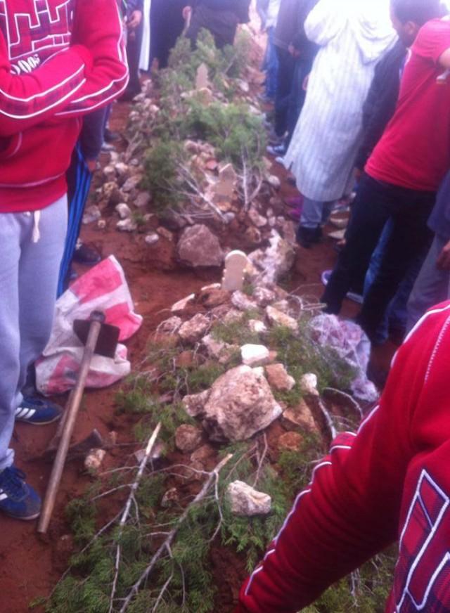 جنازة أربعة من مشجعي الوداد قضوا في حادث سير