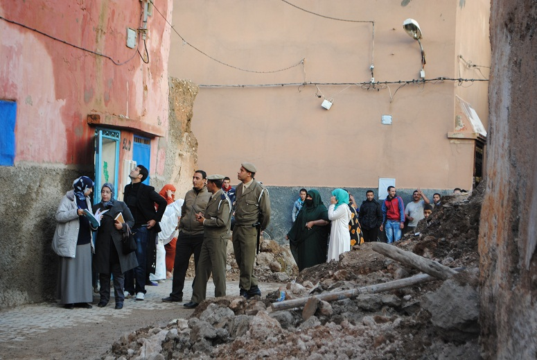 تنقيل 80 شخص بصفة مؤقتة إلى مركز الاستقبال ببلدية تيزنيت