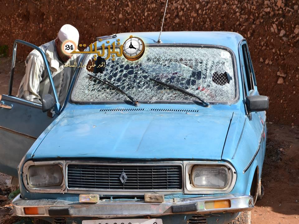 اكتشاف سيارة مسروقة داخل المدينة القديمة لتيزنيت بعد تهشيم زجاجها وإلحاق أضرار بليغة بها / مرفق بصور