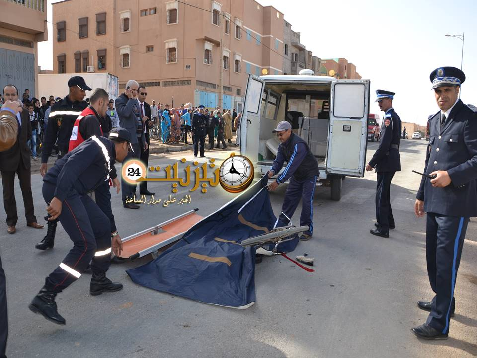 شاحنة ضخمة تؤدي بحياة تلميذة في حادث سير مروع بشارع 30 بتيزنيت / مرفق بالصور