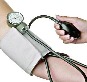 نقابة الاتحاد العام للشغالين بتيزنيت تنظم قافلة طبية في عدة تخصصات