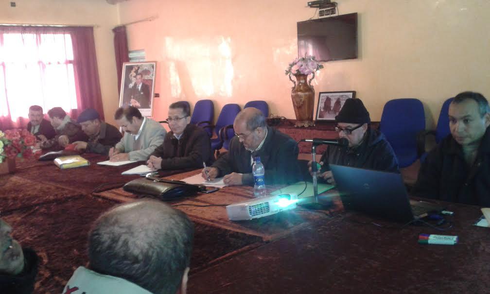 جماعة الممارسة المهنية الاطلس بنيابة تيزنيتتعقد لقاء تكوينيا حول مشروع المؤسسة