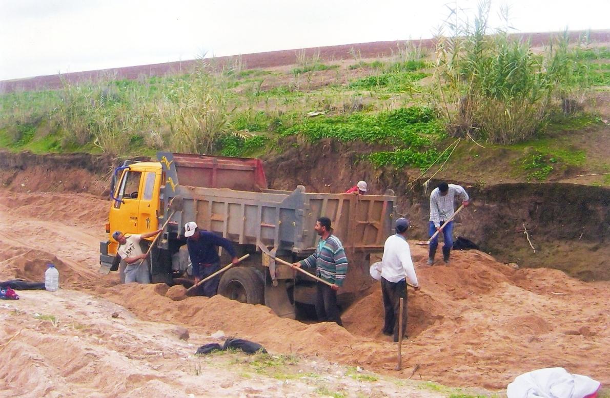 شركات استغلال مقالع وادي تمراغت بجماعة أورير بأكادير،تتسبب في مخاطر بيئية وتخلق ضجيجا واختناقا للسكان