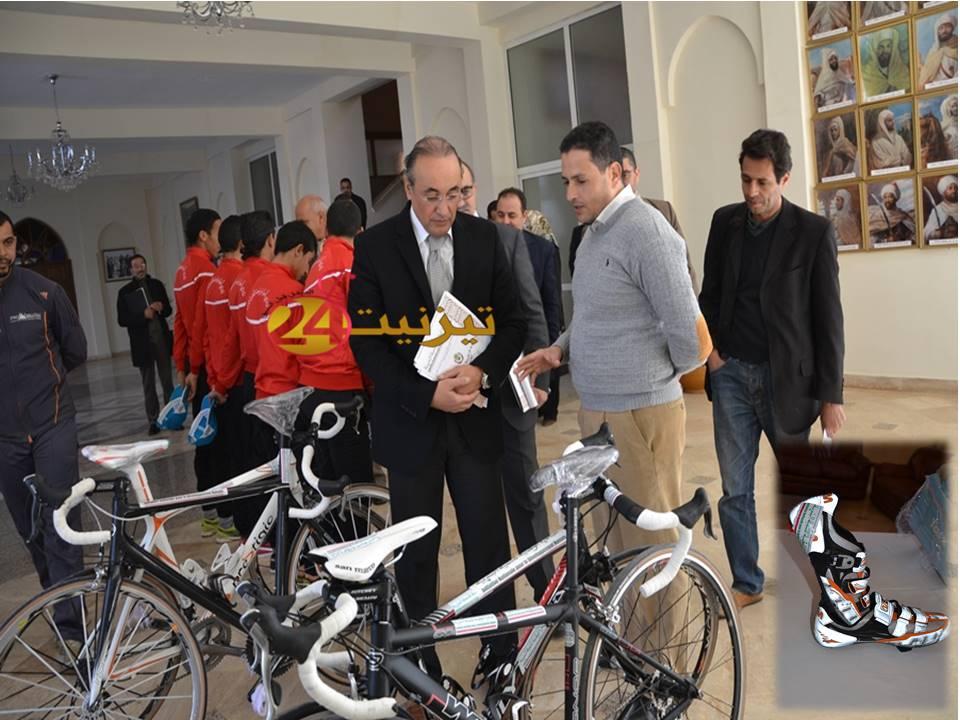 نادي الدراجات بتيزنيت يستفيد من دراجات ذات جودة عالية في إطار المبادرة الطونية للتنمية البشرية