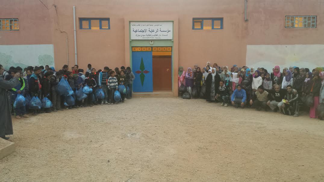 جمعية الأخصاص للتنميةتنظم نشاطا اجتماعيا بدور الطالب و الطالبة بالأخصاص