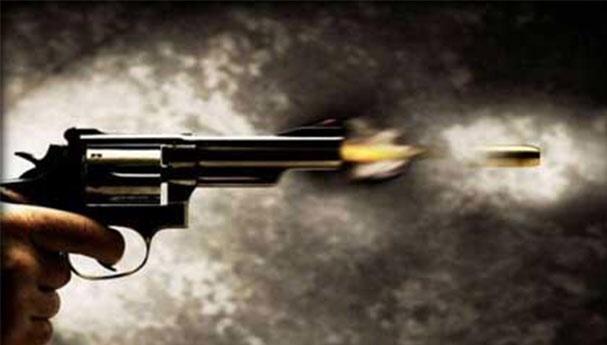 """تفاصيل 16 رصاصة أطلقها شرطي القنيطرة """"دفاعا"""" عن أمه"""