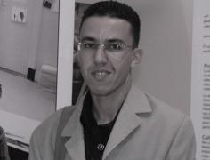 الجمعية المغربية لصحافة التحقيق: ندين الاعتداء على منصوري واعتقاله