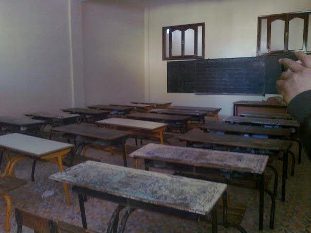 مصير 400 تلميذ  بجماعة التمسية بقي معلقا خارج أسوار المدرسة بسبب قرار الإغلاق