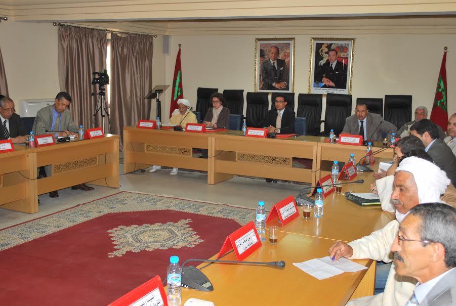 اجتماع للاطلاع على مشروع وثيقة مخطط التنمية المندمج لإقليم سيدي إفني