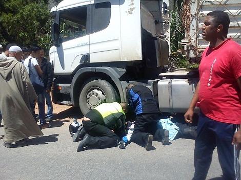 مقتل سائح اسباني في حادثة سير بين دراجته النارية وشاحنة كبيرة