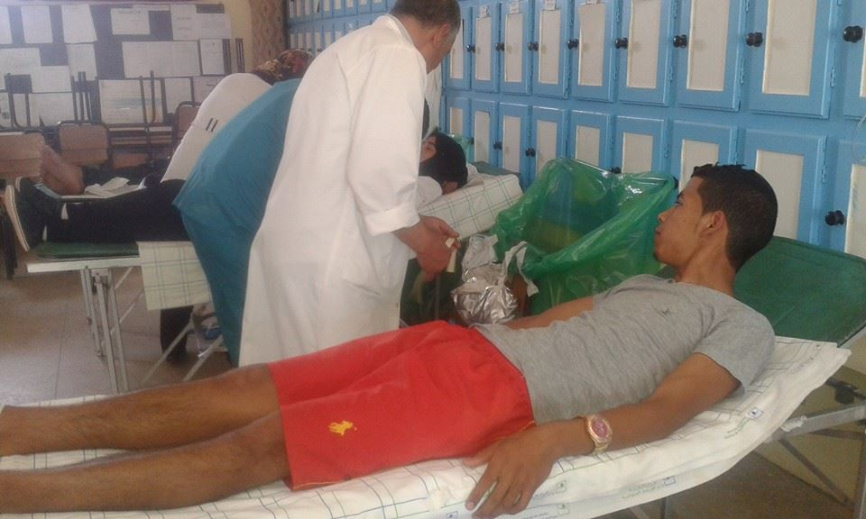 حملة للتبرع بالدم بالثانوية التأهيلية السلام تحت شعار ( التبرع بالدم = انقاذ حياة )