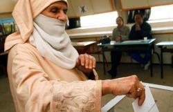 الحكومة تحفز الأحزاب على ترشيح النساء برفع مبلغ مساهمة الدولة في تمويل حملاتها الانتخابية