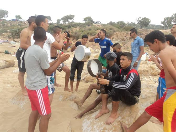 رحلة استكشافية و ترفيهية الى شاطئ تاغازوت لشباب جمعية الجيل الجديد بأولاد جرار
