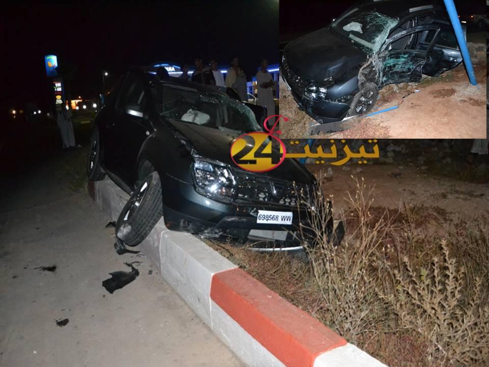 حادثة خطيرة بين سيارة وحافلة لنقل الركاب بمدخل تيزنيت من جهة كلميم / مرفق بصور