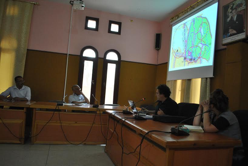 بلدية تيزنيت تناقش نتائج المرحلة الثالثة من الدراسة الخاصة بواحة تاركا