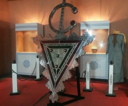 """""""خُلالة"""" تزنيت…تحفة فنية من الفضة الخالصة تبحث عن مكان لها في موسوعة """"غينيس"""""""