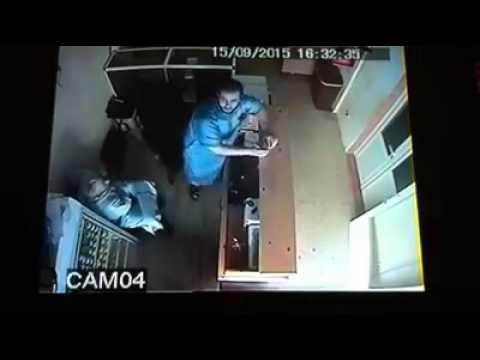 لحظة اعتقال رئيس جماعة بتيزنيت متلبسا برشوة