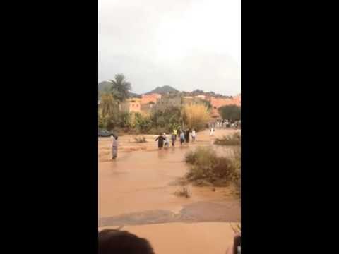 """أنزي : إنقاذ مواطنين جرف وادي """" بوسيرك"""" سيارتهم"""