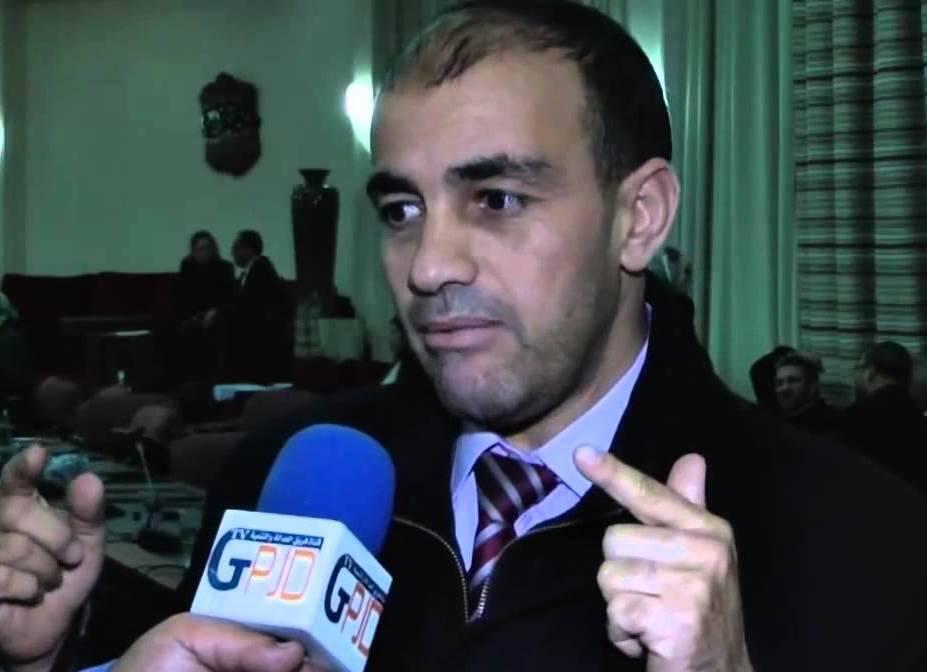 إبراهيم أعراب يكتب على البرلماني السابق محمد عصام :إنصاف الرجل من أنصاف الرجال