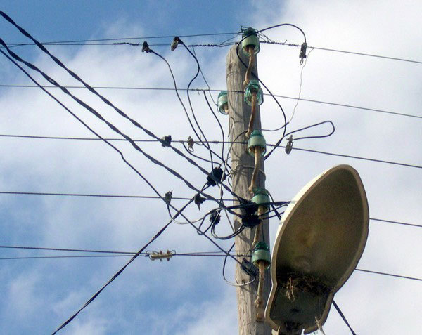 ماسة : أعمدة كهربائية قديمة تهدد حياة الساكنة