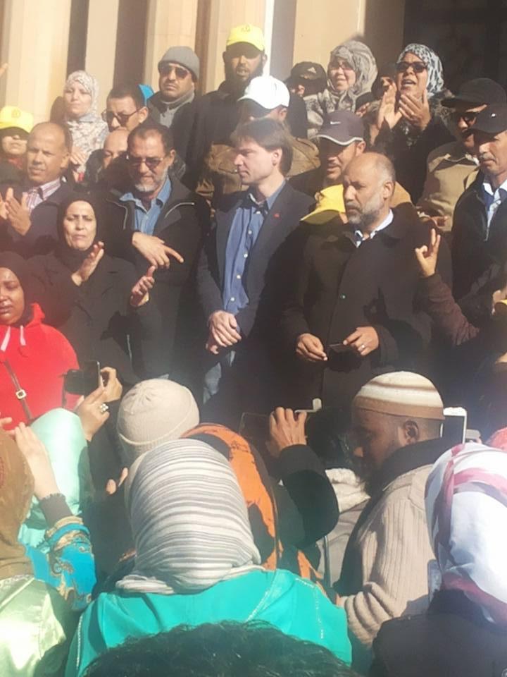 احتجاج بإنزكان ضد تغريم نقابي 300 مليون سنتيم