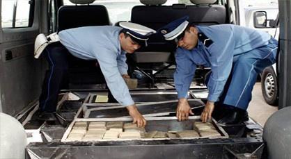 توقيف شاحنة تحمل مخدرات بتيزنيت