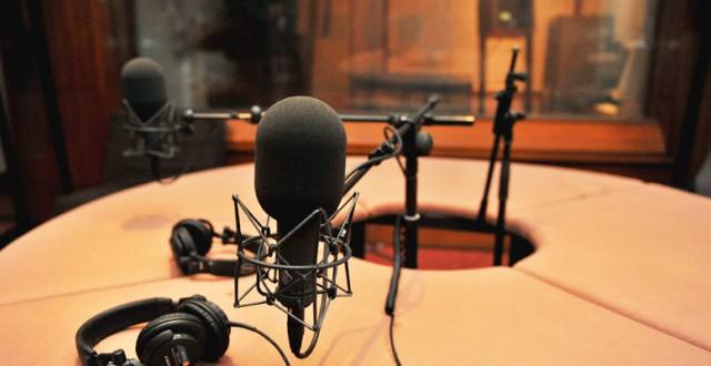 الفصائل و الالترات ممنوعون في عدد من الإذاعات الخاصة